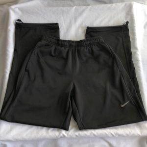Nike Swoosh Therma-Fit Sweatpants Joggers Style
